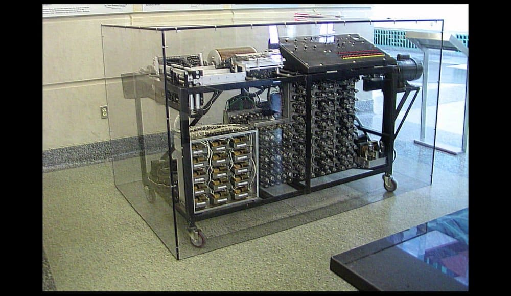 1st electronic computer