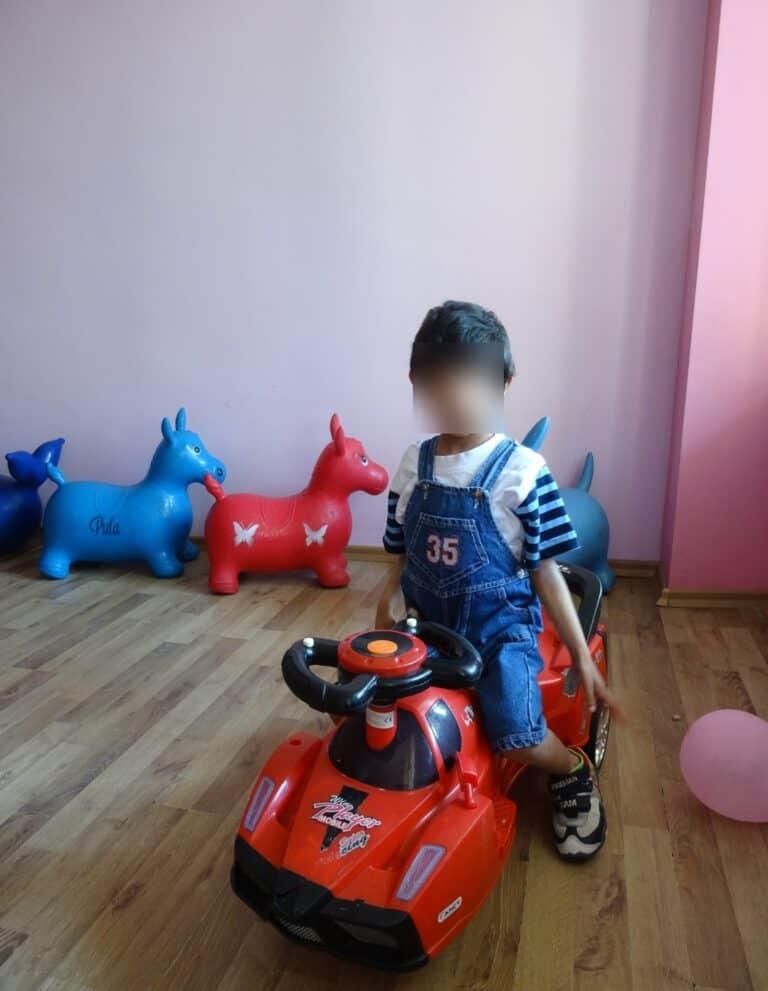 Daniel blurred